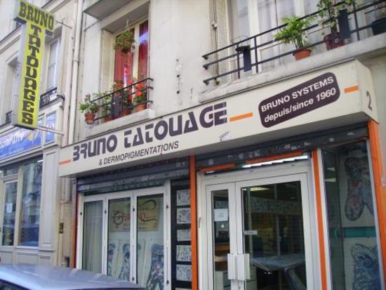 Bruno le premier tatoueur de paris for Salon tattoo paris