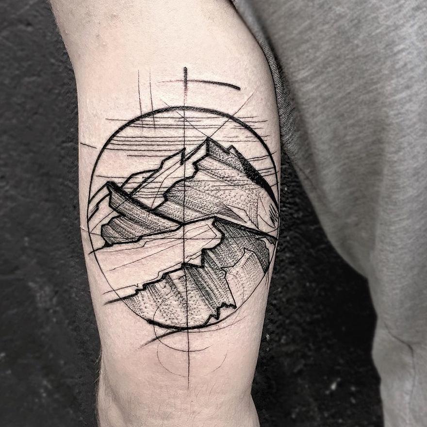 Des tatouages qui imitent des croquis - Tatouage globe terrestre ...