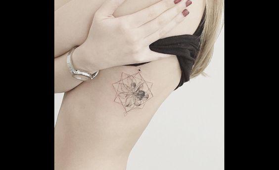 des idées de tatouage sur les côtes - tattoos.fr